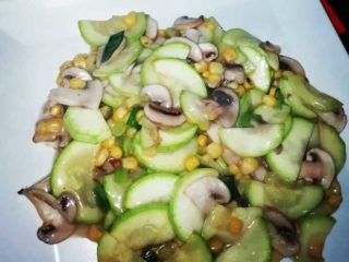 186. Zucchini with corn and mushrooms in white sauce delivery