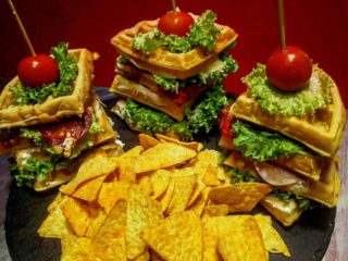 Maxi club sandwich galette with tortilla chips Waffle magacin delivery