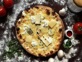 Quattro formaggi pica Fenix Pizzeria dostava