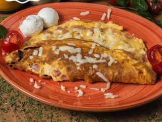 Omelete with ham delivery