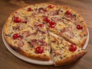 Pizza Pečenica, parmezan Rustico restoran dostava