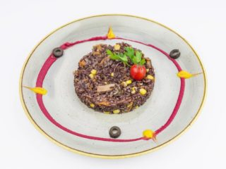 Black rice with vegetables dostava