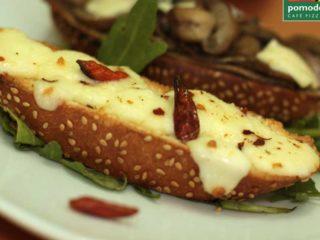 Crostini porcini e pecorino Pomodoro Novi Beograd delivery