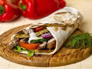 Falafel  i  shawarma dejaj sendvič Byblos Express dostava