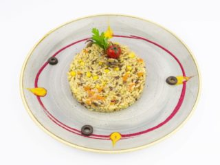 Brown rice with vegetabes. dostava