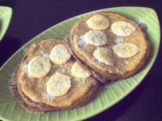 Američka palačinka kikiriki puter, banana, kokos dostava