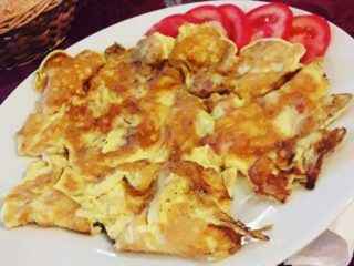 Omelete with bacon Dedina Tajna delivery