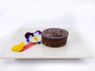 Raw cake sa crnom čokoladom Fit Bar Nušićeva dostava