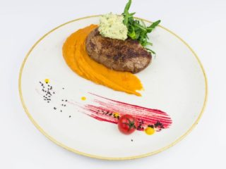 Beefsteak with flavored butter and sweet potatoes dostava