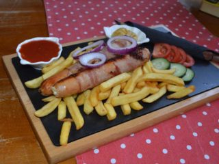 Sausages with cheese Beer bar delivery