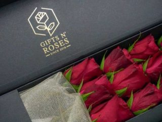 Roses lying down Gifts and Roses delivery