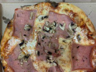 Pizza Capricciosa Banjac 1982 dostava
