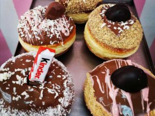 Donut with chocolate Pitolino delivery