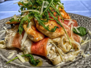 Chicken fillet with truffles tagliatelle delivery