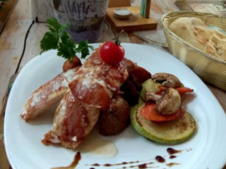 Chicken with prosciutto and lemon Olive Tree delivery