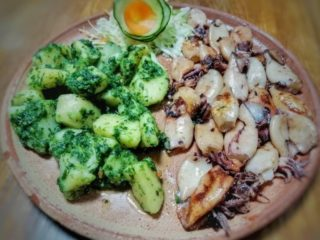 Grilled squid Mali Balkan delivery