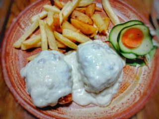 Stuffed chicken medallions in bechamel sauce Mali Balkan delivery