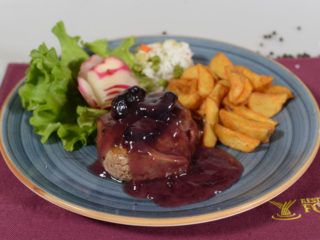 Beefsteak in prunes sauce delivery