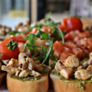 Bruschetta with chicken