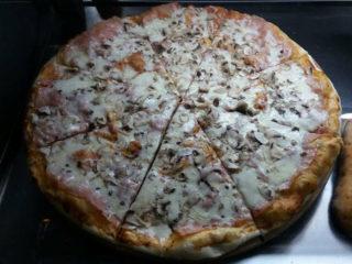 Capricciosa Pizza House dostava