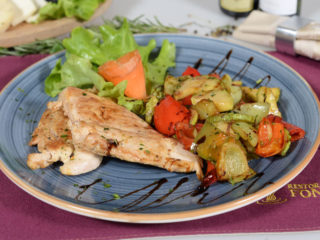Chicken fillet with grilled vegetables delivery