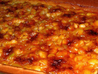 Baked beans with sausages Čivija Ekspres delivery