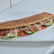 Topli sendvič suvi vrat, kačkavalj