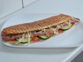 Topli sendvič suvi vrat, kačkavalj dostava