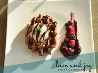 Belgian waffle E Cucina delivery