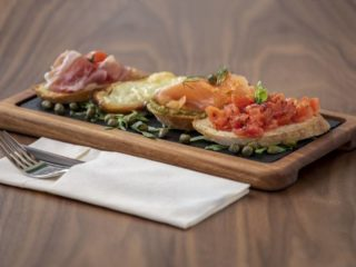 Mix bruschetta Diana Restoran delivery