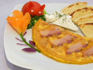 Eggs with prosciutto dostava