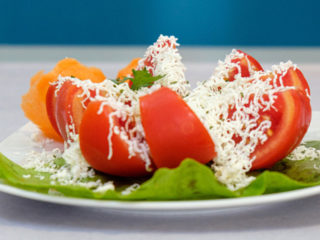 Tomato with cheese dostava