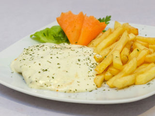 Chicken in 4 type cheese sauce Fabrika Hrane dostava