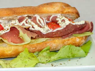 Sandwich with prosciutto dostava