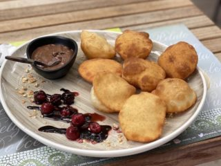 Sweet fritters E Cucina delivery