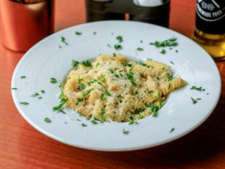 4 formagio pasta Delight pasta gastro bar dostava