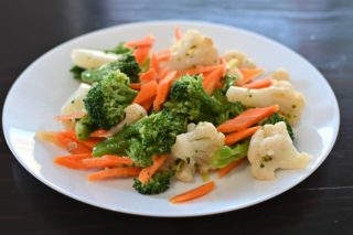 63. Cauliflower, broccoli and carrot in white sauce Chaos Banovo Brdo delivery