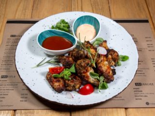 Marinated chicken wings delivery