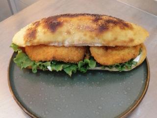 Pohovana piletina sendvič Snoopy Fast Food dostava