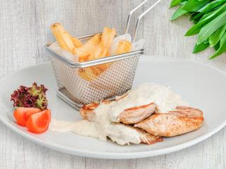 Pileći stek u gorgonzola sosu Splav restoran Viva dostava