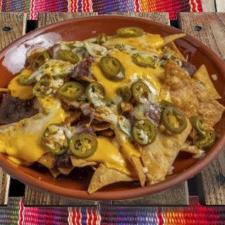 Tortilla chips con nachos delivery