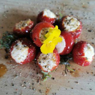 Cherry paprika sa sirom Znači Taverna dostava