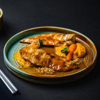 Piletina u kikiriki sosu na pireu od šargarepe dostava