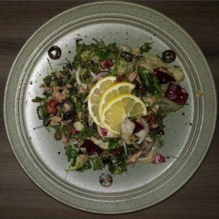 Tuna salata Znači Taverna dostava