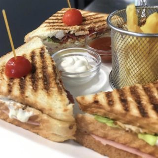 Club sandwich La Nostra Casa delivery