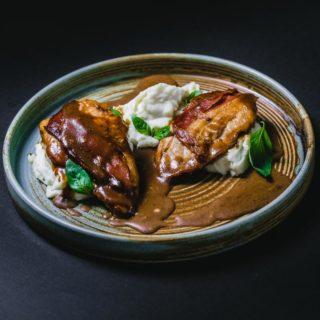 Piletina sa pršutom na domaćem pire krompiru Protina Kuća dostava
