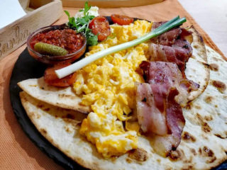 Scrambled eggs Barka Restoran delivery