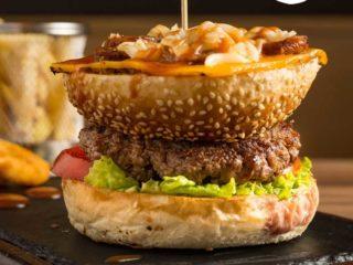 Peperoni Melt Burger Brunch burger bar dostava