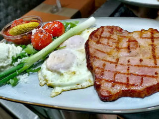 Steak breakfast Barka Restoran delivery