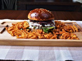Luj XVI burger Minagonija dostava